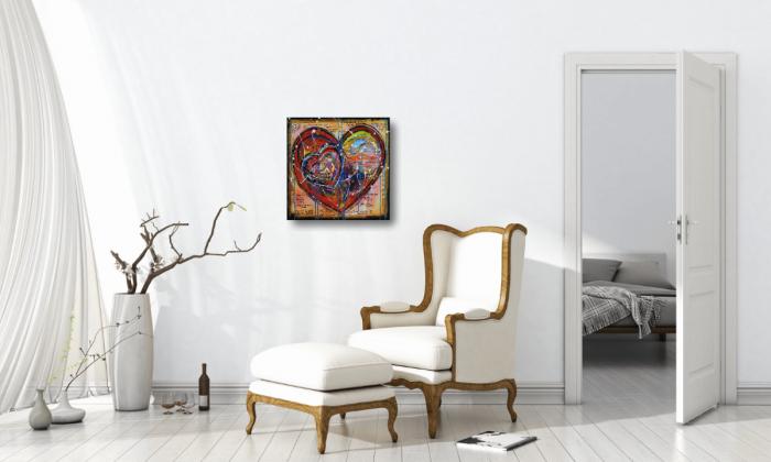 Inred sovrummet med konst